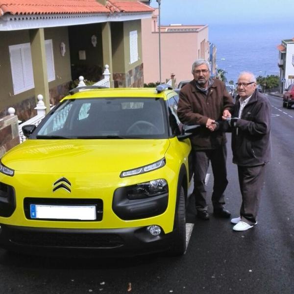 Un nuevo Citroën C4 CACTUS más vendido, un nuevo cliente contento y satisfecho, gracias por confiar en nosotros!!