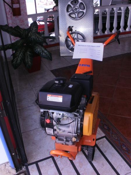 MOTOR KOHLER 9.5 HP CHASIS PIVA.... CON FRESAS INCLUIDAS+RUEDAS+REJA 2260€